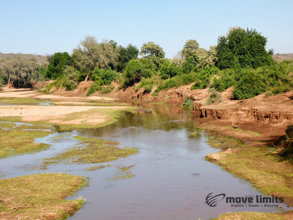 Safari im Krüger Nationalpark in Südafrika - Wasserlauf - movelimits.de