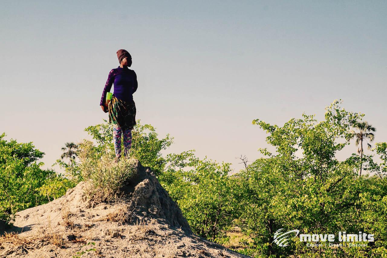 Zwei Tage im Delta des Okavango in Botswana - Sophie am Lookout - movelimits.de
