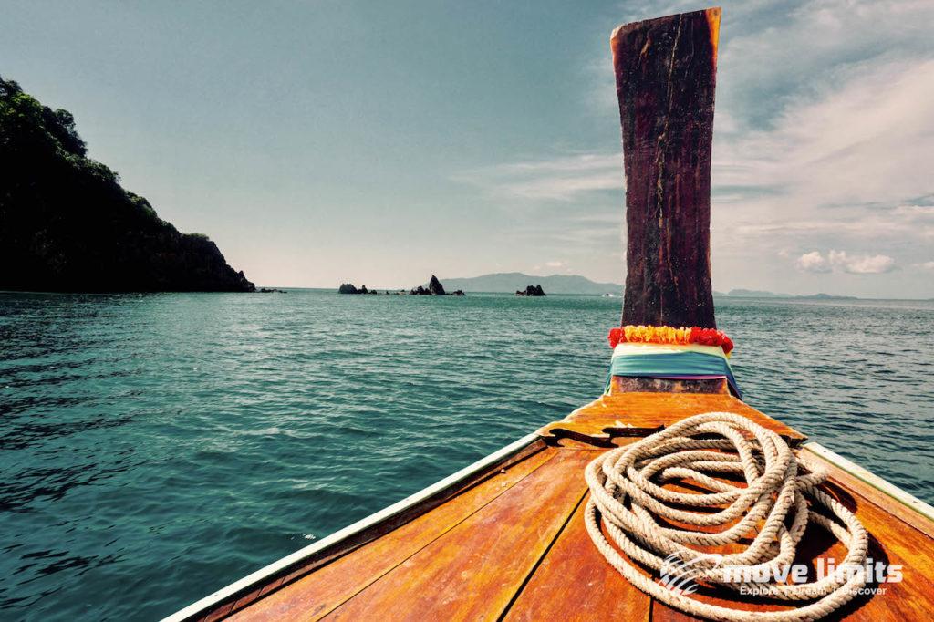 Schnorcheln im Paradies - Krabi Thailand - Longtailboot vorne - movelimits.de
