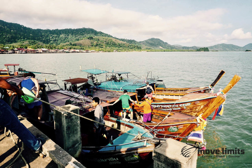 Schnorcheln im Paradies - Krabi Thailand - Longtailboote vor Oldtown - movelimits.de