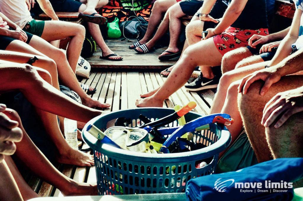 Schnorcheln im Paradies - Krabi Thailand - Schnorchel und Beine - movelimits.de