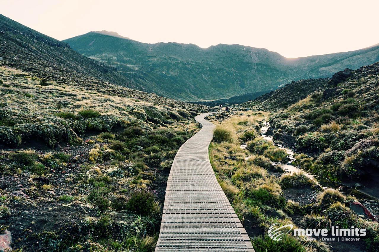 Tongariro Crossing - Der schoenste Day Walk in Neuseeland - Mangatepopo nach Soda Springs - movelimits.de