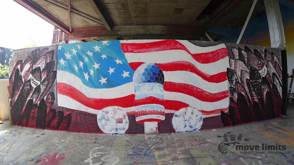 Abhörstation Teufelsberg Berlin - Kalter Krieg und Graffiti - movelimits.de - Amerikanische Fahne