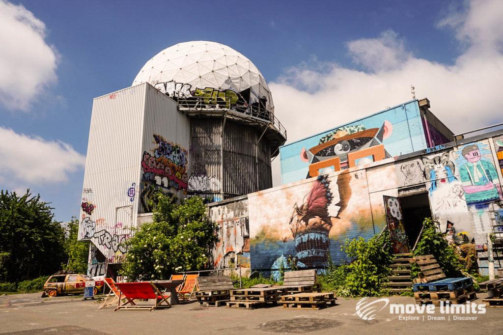 Abhörstation Teufelsberg Berlin - Kalter Krieg und Graffiti - movelimits.de - Aussengelaende