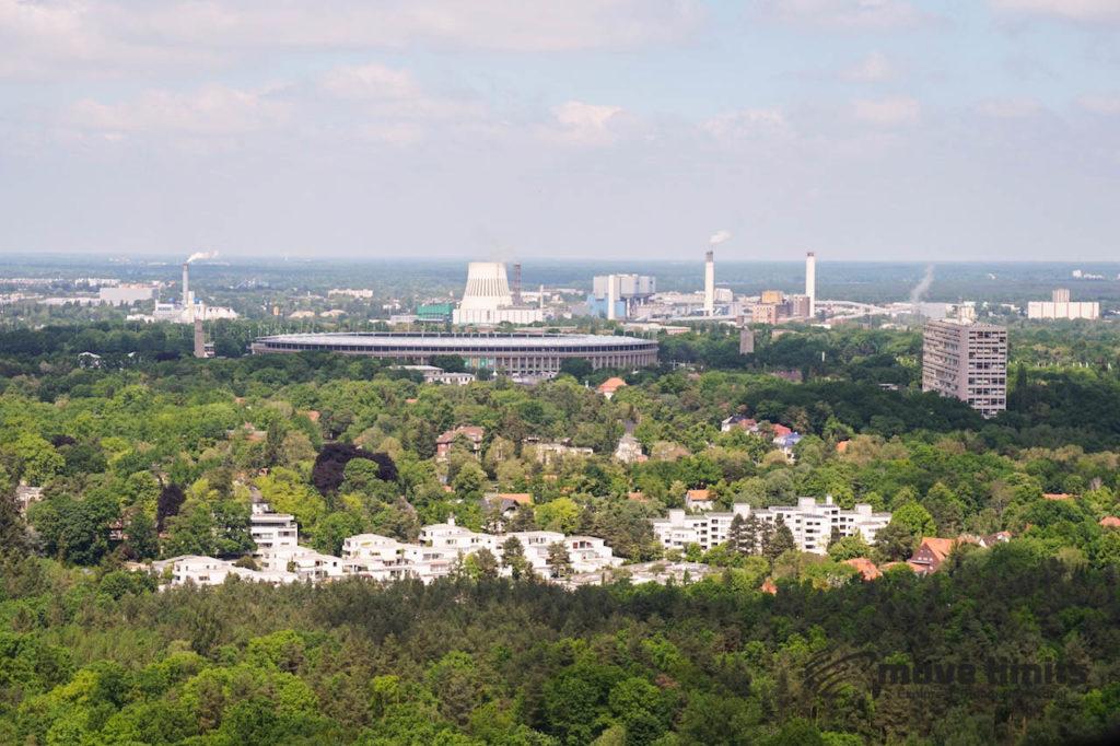Abhörstation Teufelsberg Berlin - Kalter Krieg und Graffiti - movelimits.de - Blick zum Olympiastadion