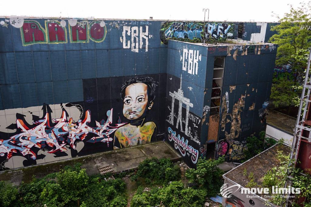 Abhörstation Teufelsberg Berlin - Kalter Krieg und Graffiti - movelimits.de - Der Blick