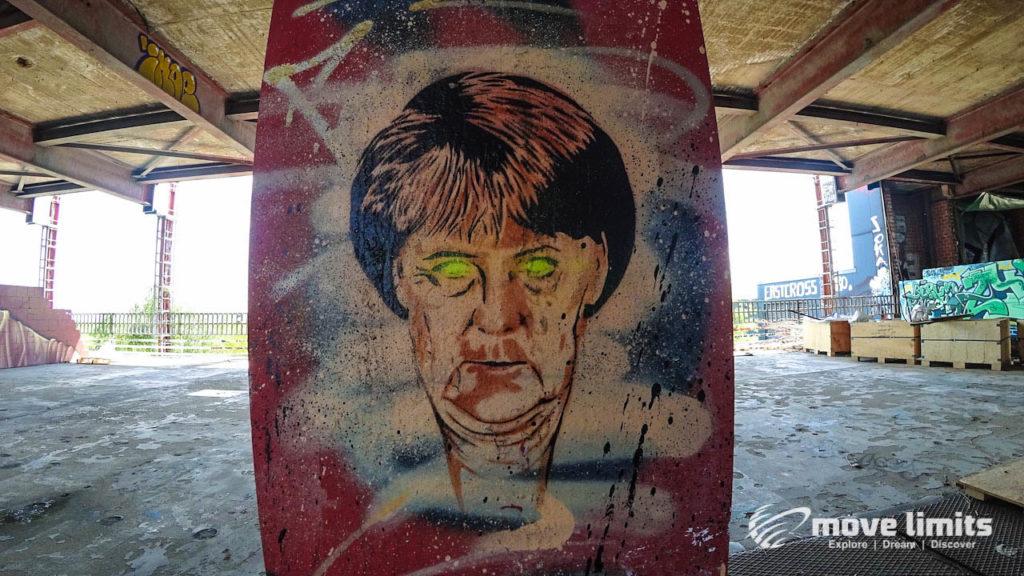 Abhörstation Teufelsberg Berlin - Kalter Krieg und Graffiti - movelimits.de - Merkel