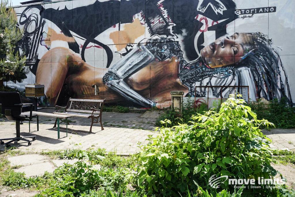 Abhörstation Teufelsberg Berlin - Kalter Krieg und Graffiti - movelimits.de - Robotlady
