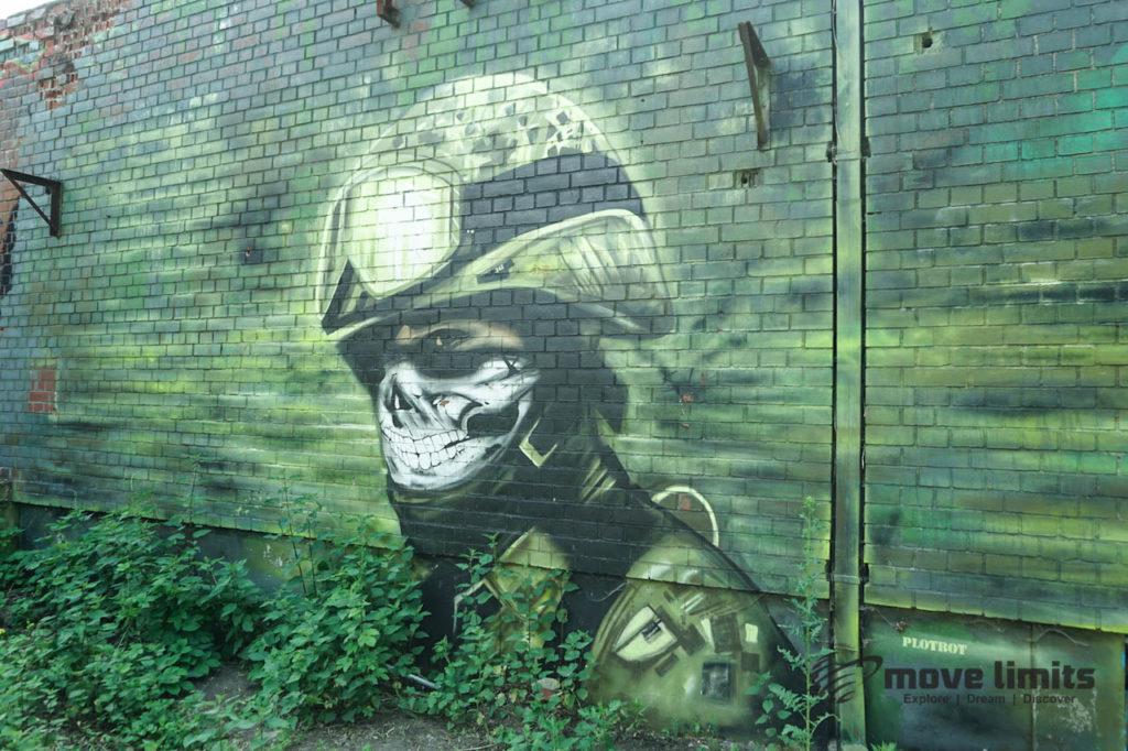 Abhörstation Teufelsberg Berlin - Kalter Krieg und Graffiti - movelimits.de - Totenkopf-Soldat