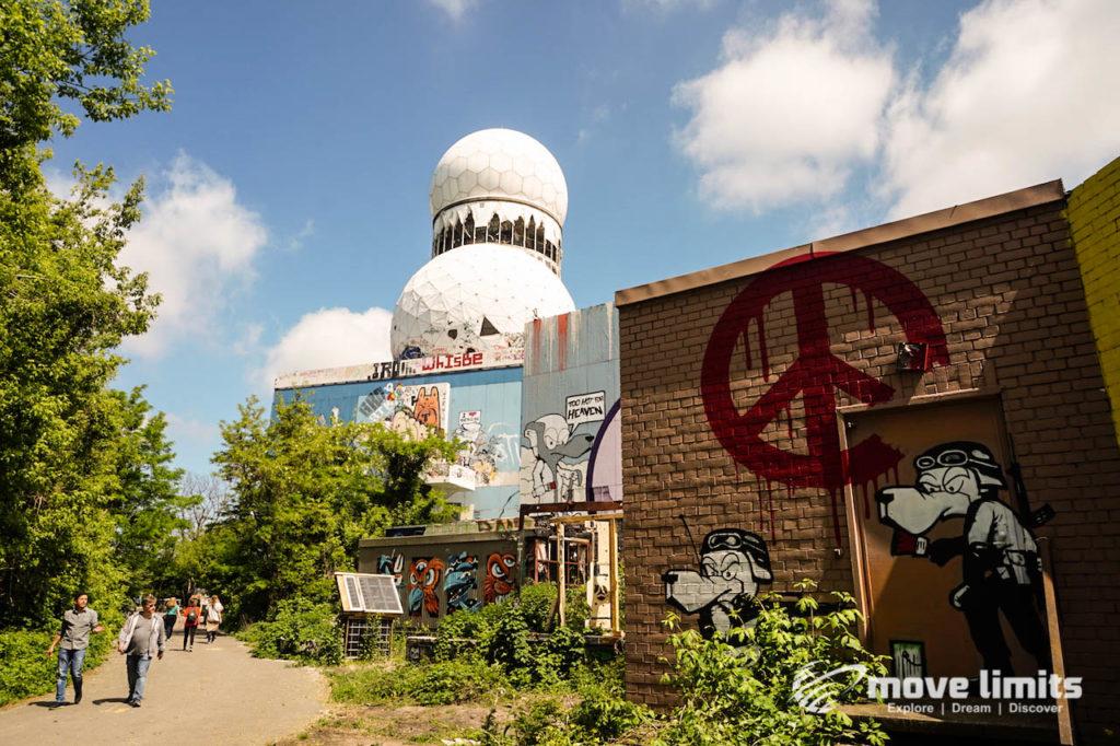 Abhörstation Teufelsberg Berlin - Kalter Krieg und Graffiti - movelimits.de - Wege