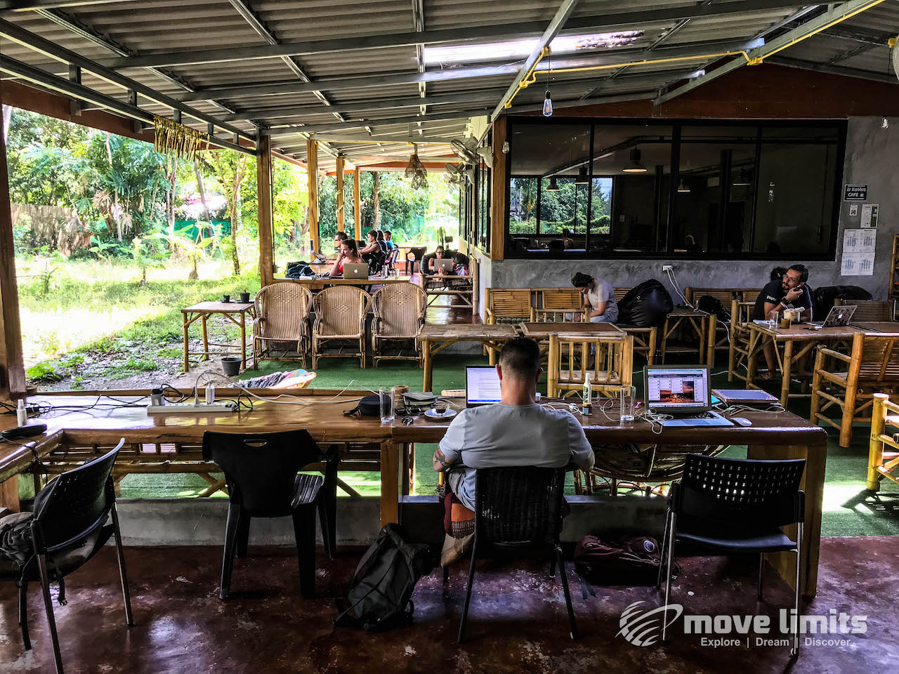 Deck - Remote arbeiten - Auf Koh Lanta bei den Digitalen Nomaden - movelimits.de