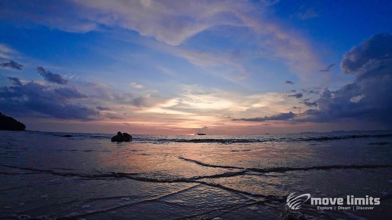 Sonnuntergang Phra Ae Beach - - Remote arbeiten - Auf Koh Lanta bei den Digitalen Nomaden - movelimits.de